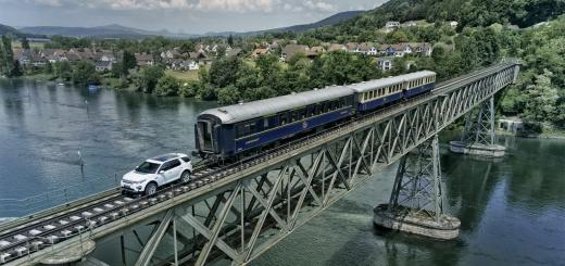Land Rover 100 tonluk treni çekti