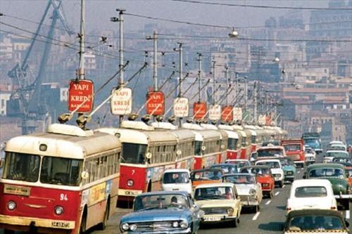 istanbul'da troleybus